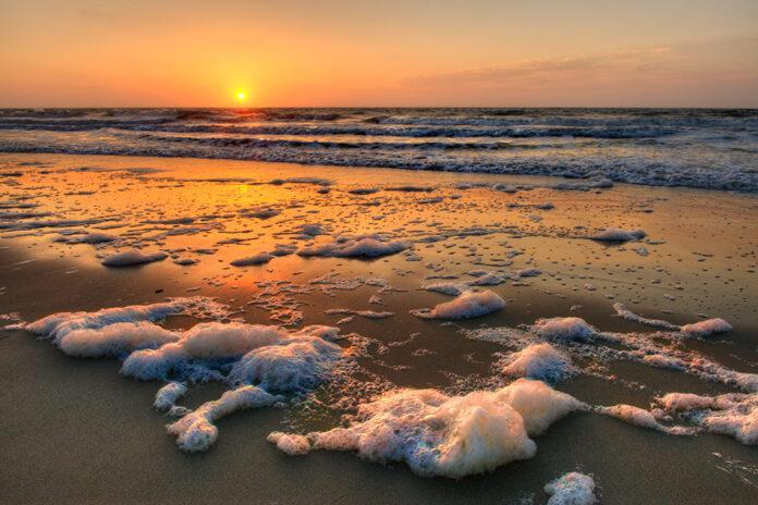 carolina-beach-sea-foam-coast-beaches